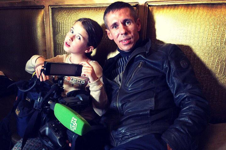 Алексей Панин продолжает воевать за дочь Нюсю с бывшей возлюбленной