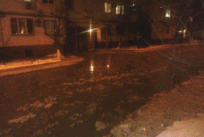 ВВолгограде микрорайон остался без воды из-за дорожной аварии наводоводе