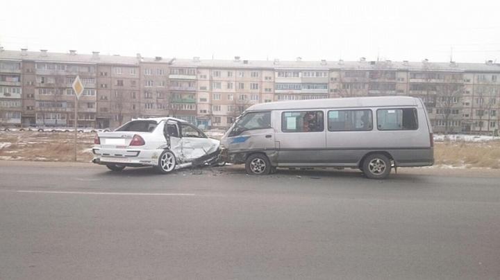 Шофёр иномарки спровоцировал ДТП спассажирским автобусом вПриморье