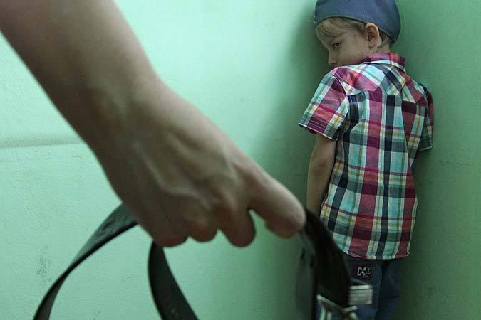 Волгоградке угрожает 2 года колонии заизбиение 7-летнего сына