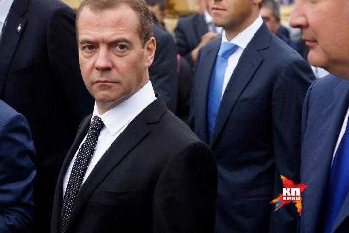 Медведев призвал министра культуры ксдержанности воценке культурных событий