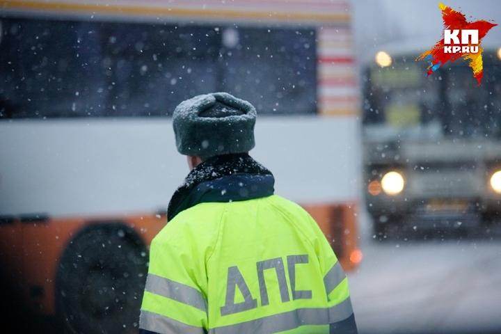 ВАлапаевске полицейские спасли ребенка, бегавшего поулице влегкой одежде
