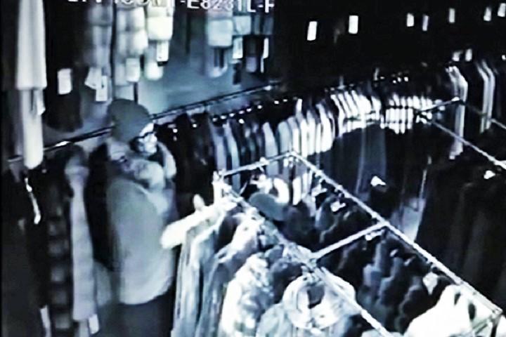 Милиция арестовала жительницу Екатеринбурга, укравшую вКазани три шубы