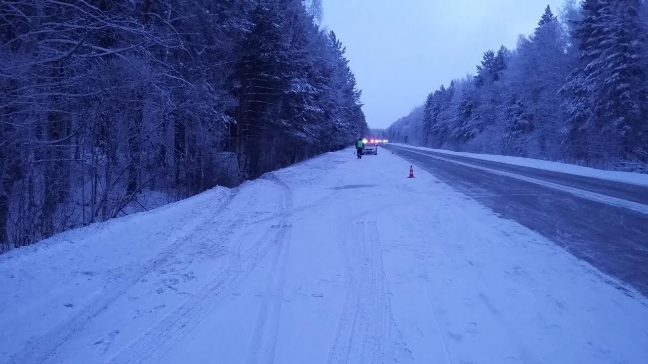 Натрассе Тюмень— Ханты-Мансийск найден фургон «Мерседес Спринтер» смертвым водителем