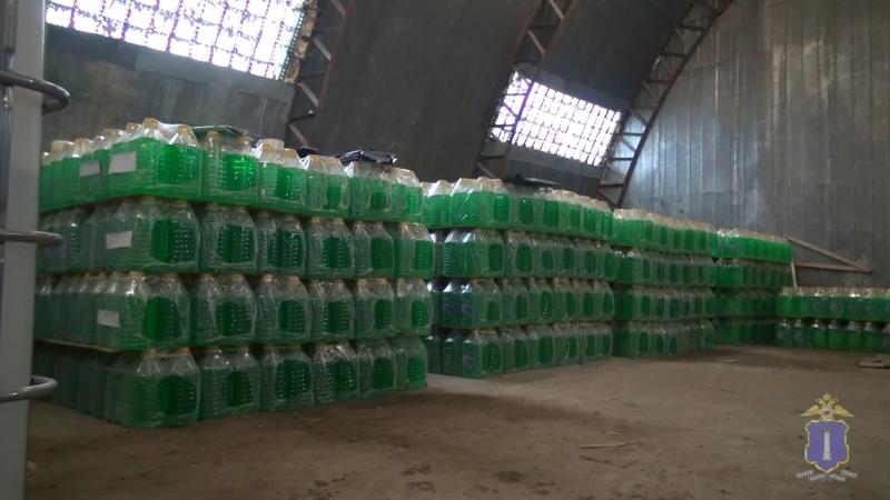 ВУльяновске закрыли крупный подпольный цех попроизводству незамерзайки
