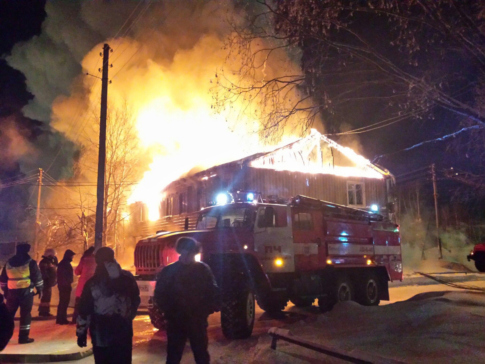 Пожар на100%  уничтожил 32-квартирный дом вНефтеюганске