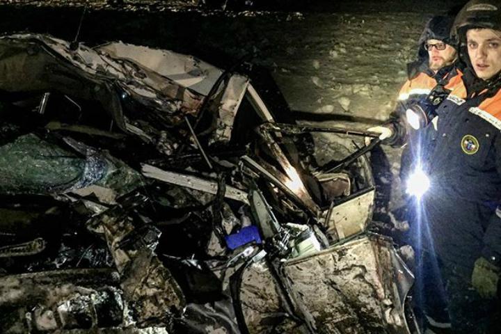 Семь человек погибли врезультате происшествия надороге вСаратовской области