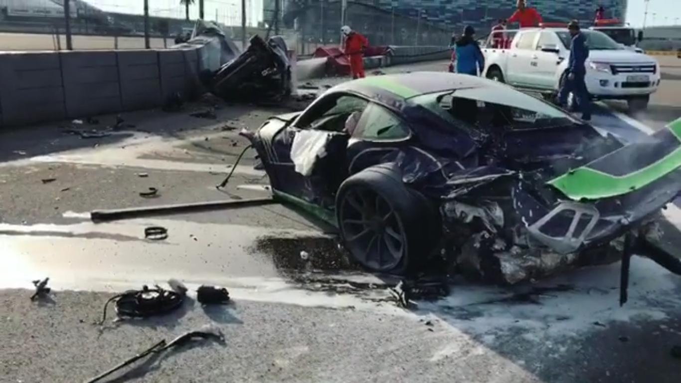 ВСочи натрассе «Формулы-1» горе-водители разбили всмятку дорогие автомобили