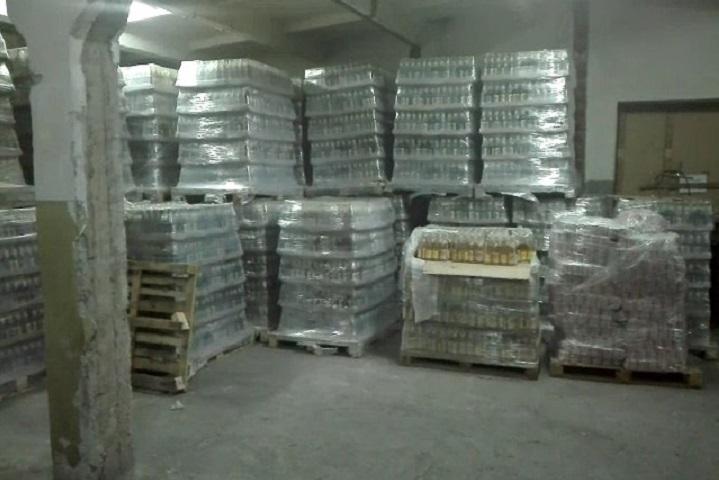 Неменее 70 тыс. бутылок пива найдены наскладе нелегального алкоголя вНовосибирске