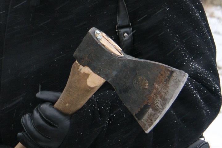 ВВоронеже вбанке мужчина ударил сотрудницу тесаком