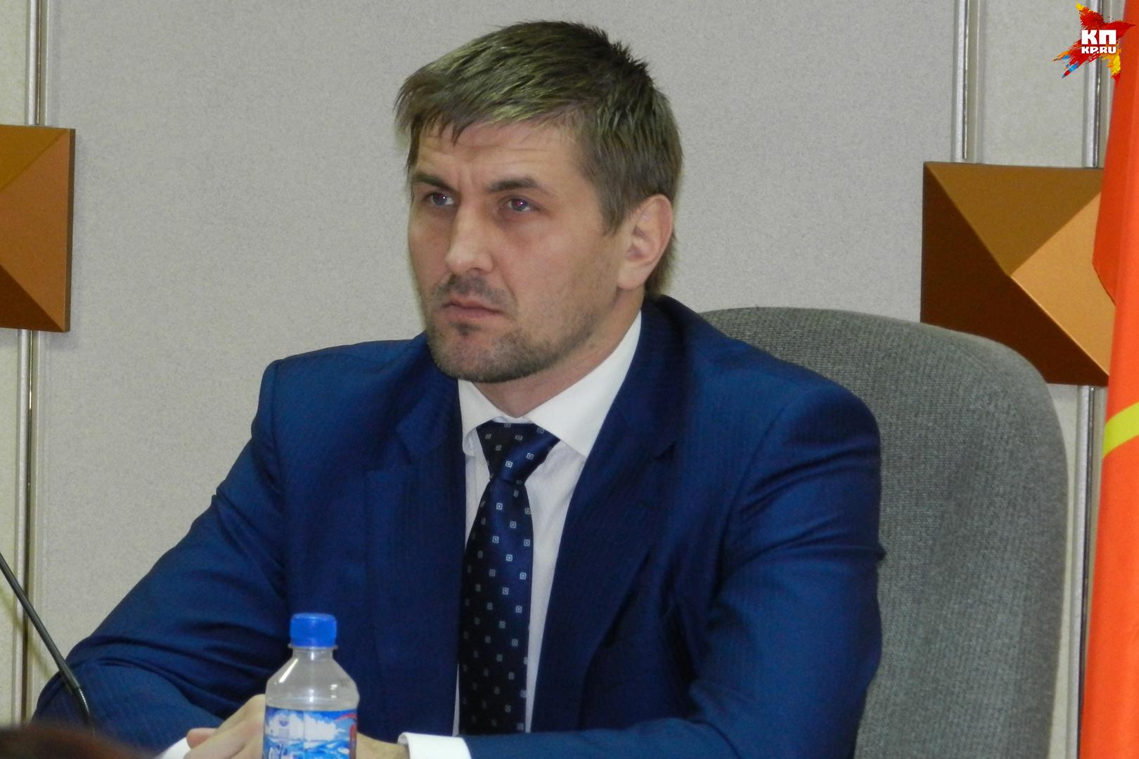 Брянский депутат-боец Минаков 23февраля даст бой жителю америки