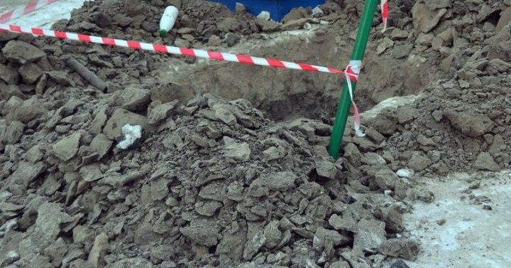 2-х рабочих засыпало землей втраншее вВоронеже, один изних умер