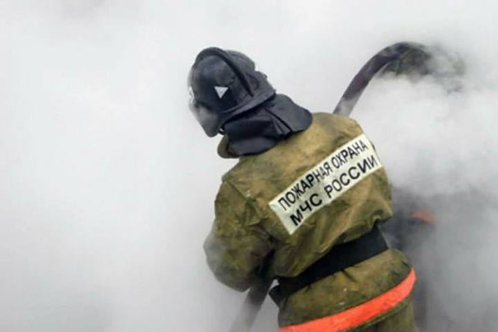 Изгорящей гостиницы вХабаровске эвакуировали 5 человек