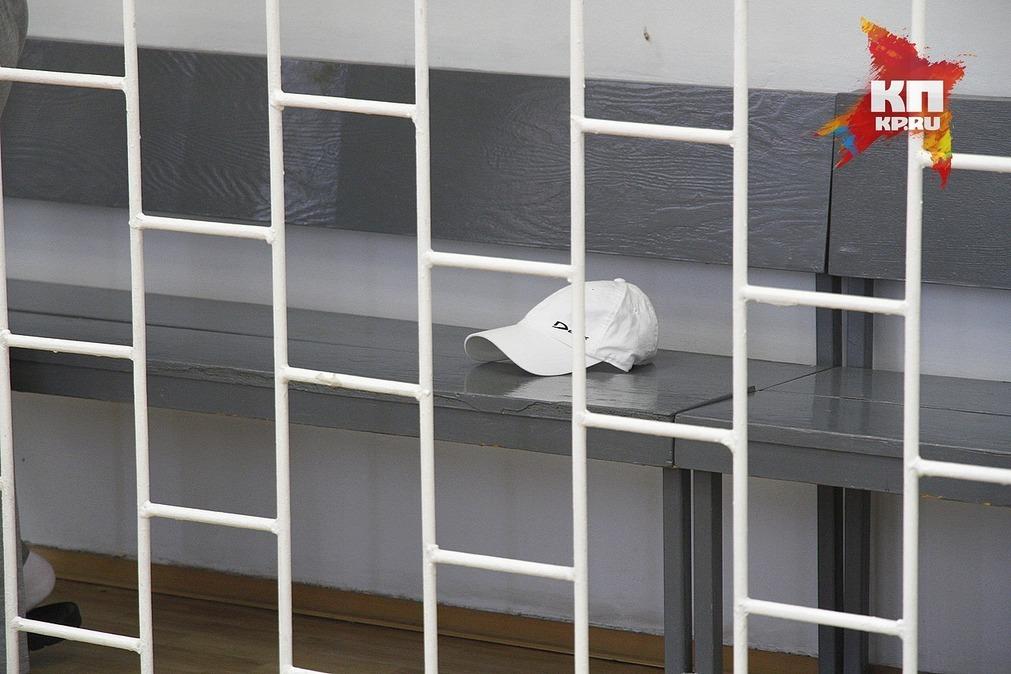 ВКрасноярске налетчик намагазин вооружился канцелярским ножом