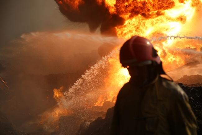 12 часов тушили большой пожар вЧелябинске