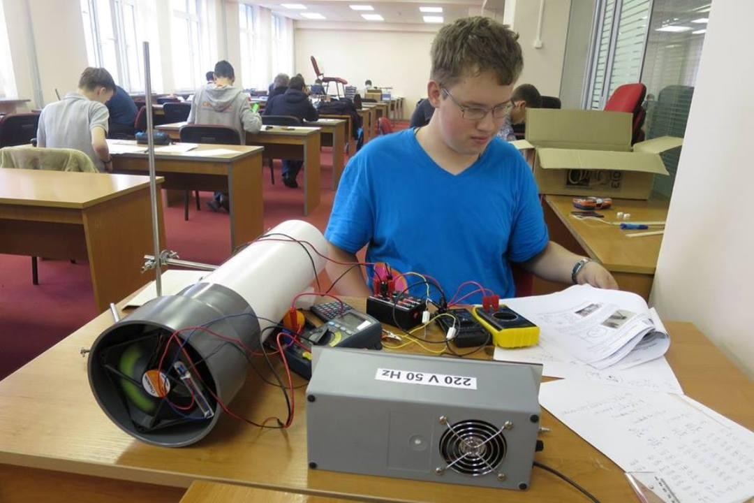 Пермский школьник возглавил сборную Российской Федерации пофизике