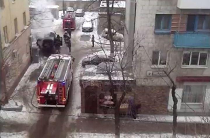Волгоградцы сняли навидео Rover, полыхающий вцентре города