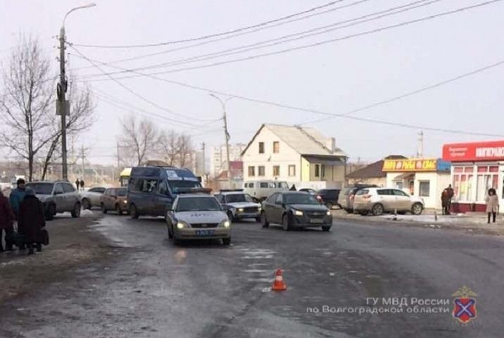 Вцентре Волгограда вседорожный автомобиль сбил на«зебре» 60-летнего пенсионера