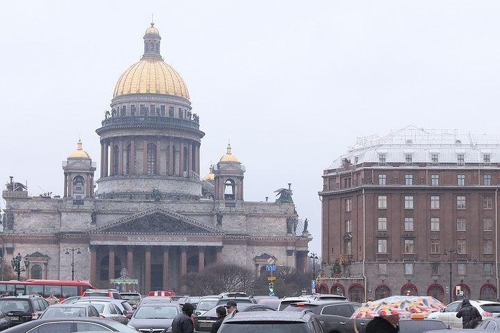 Футбольные фанаты совершат крестный ход уИсаакия запередачу храма РПЦ