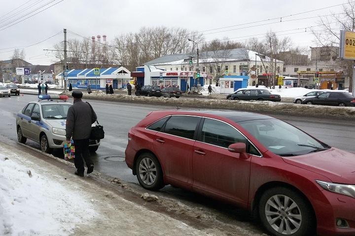 ВЧереповце 12-летняя девочка угодила под автомобиль