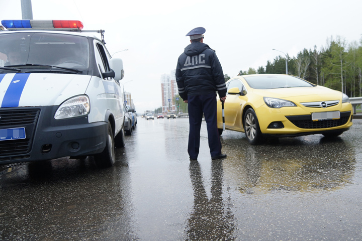 Полицейские Усолья-Сибирского задержали нетрезвого водителя после погони сострельбой