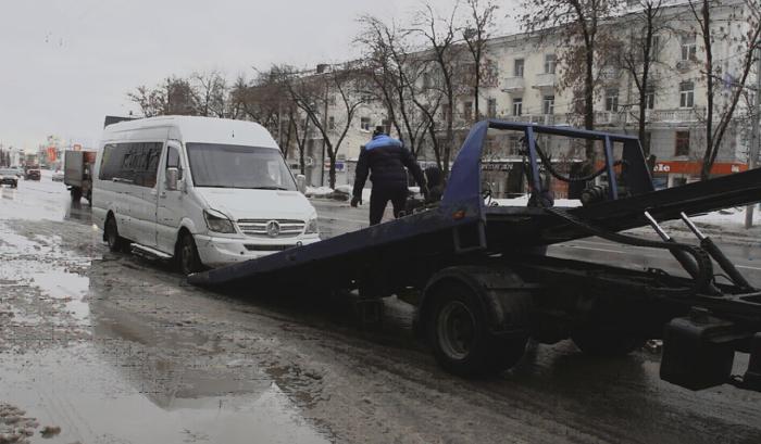 ВУфе задержали водителя маршрутки без прав