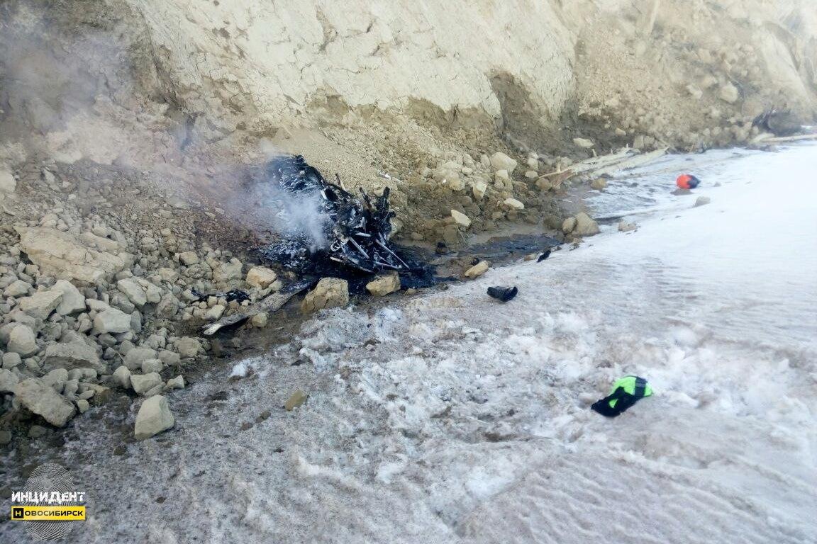 ВНовосибирске погибла молодая женщина, упавшая наснегоходе собрыва