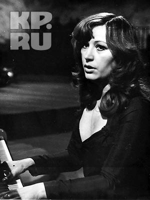 В начале своей карьеры Алла Пугачева брала пример с Клавдии Шульженко. Фото прислано нашим читателем