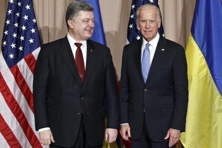 В Давосе Порошенко обсудил ситуацию в своей стране с вице-президентом США Байденом Фото: REUTERS