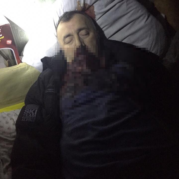 Тело Амирана Георгадзе пролежало четыре дня недалеко от дома главы администрации. Фото: Оперативная съемка