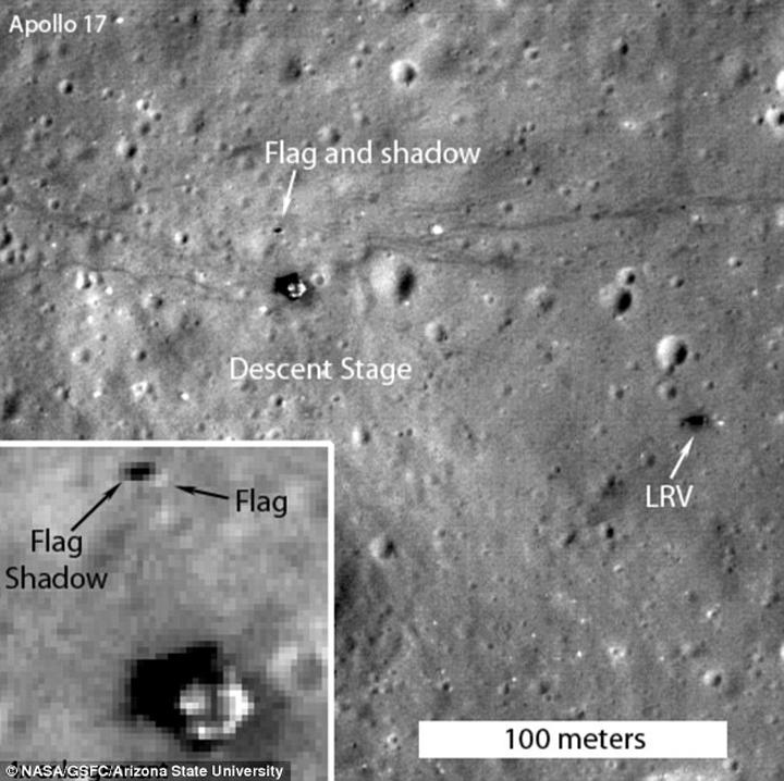 Предмет, похожий на флаг, заметен на месте посадки Аполлона-17.