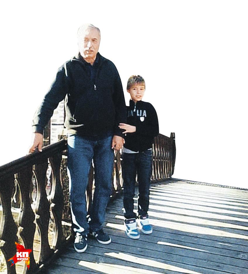 Биологический отец Ксении Алферовой Бойко Гюров со своим младшим сыном Стояном. Фото: Личный архив