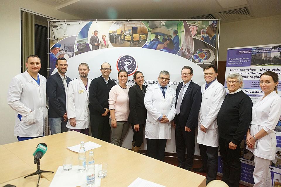 Команда врачей, выполнивших уникальную операцию