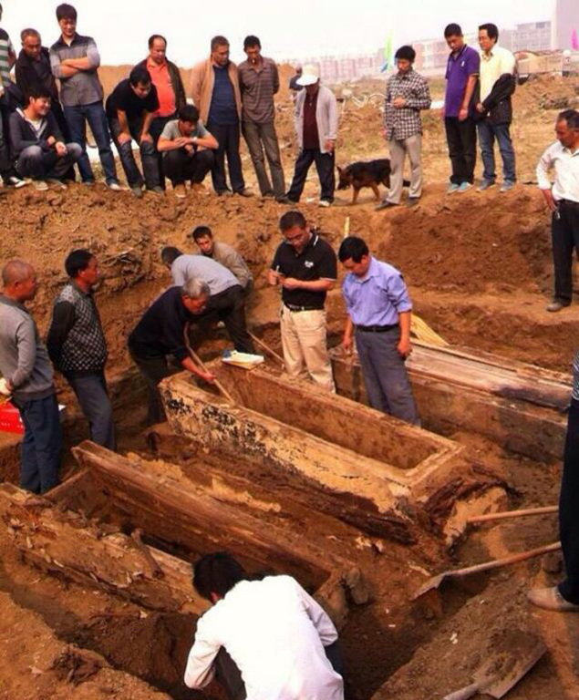 Нетленное тело было найдено в массивном гробу с очень толстыми стенками
