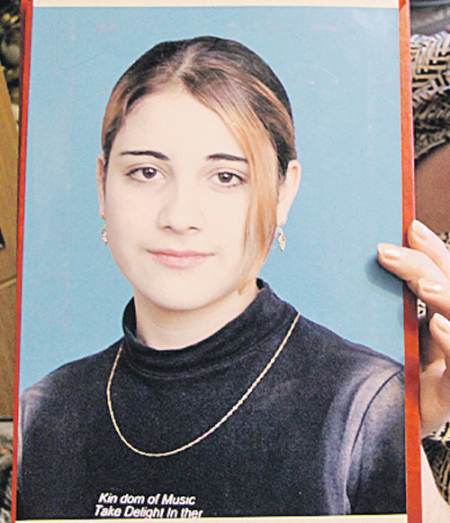 Виктория Волкова из Астрахани - вдова ваххабита. В ее доме нашли взрывное устройство.