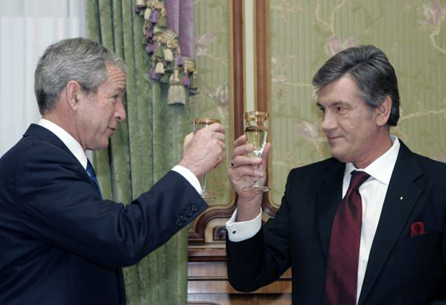 Джордж Буш и Виктор Ющенко