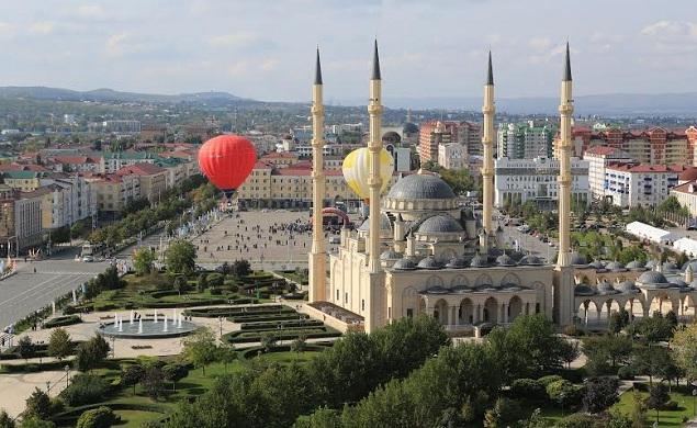 Площадь, на которой собирался устроить взрыв смертник Фото: Евгений САЗОНОВ