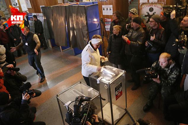 На выборы пошли все - родня, соседи! Фото: Александр КОЦ, Дмитрий СТЕШИН