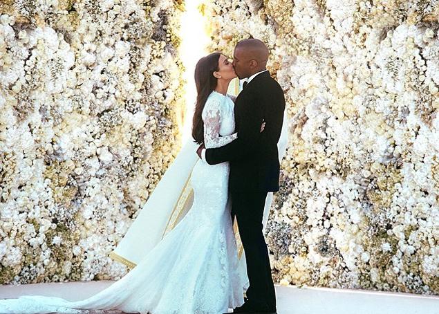 Фотография Ким и Канье, сделанная в день их свадьбы, собрала 2,4 миллиона «лайков». Фото: Instagram.