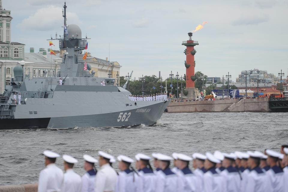 Как прошел парад на День ВМФ в Санкт-Петербурге 25 июля 2021: видео