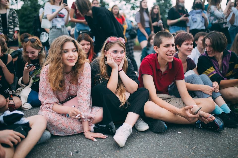 10 лучших идей, куда сходить на выходные в Санкт-Петербурге 2-3 октября 2021 года: ленинградский рок-клуб и путешествие по Зазеркалью
