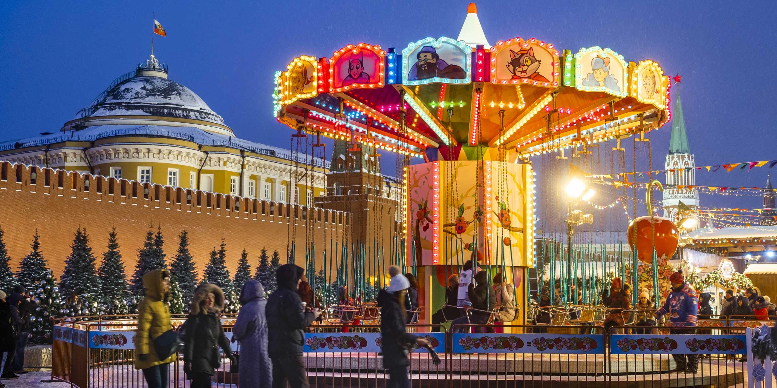 Москвичам и туристам очень нравятся рождественские ярмарки на Красной площади.Фото: globallookpress.com