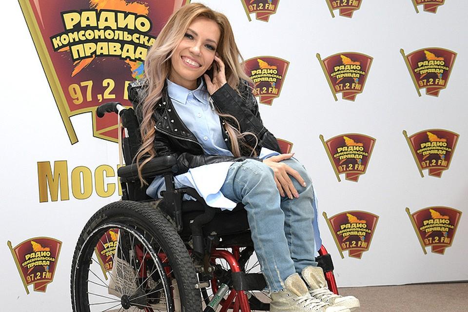 Российская участница `Евровидения` Юлия Самойлова на радио `Комсомольская правда`.