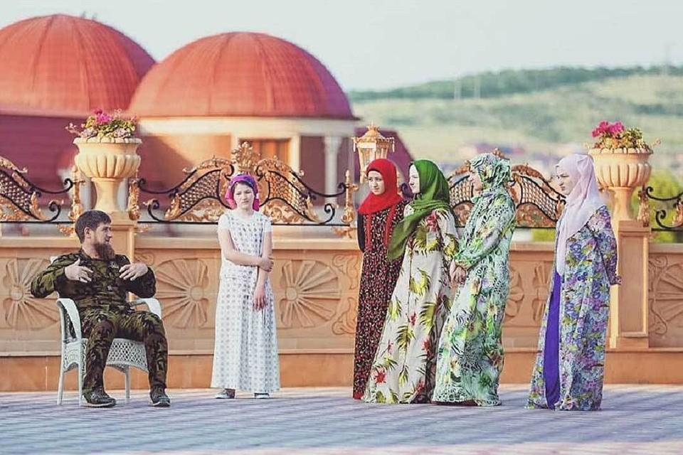 Всего у главы Чечни 12 детей. Фото: vk.com/ramzan