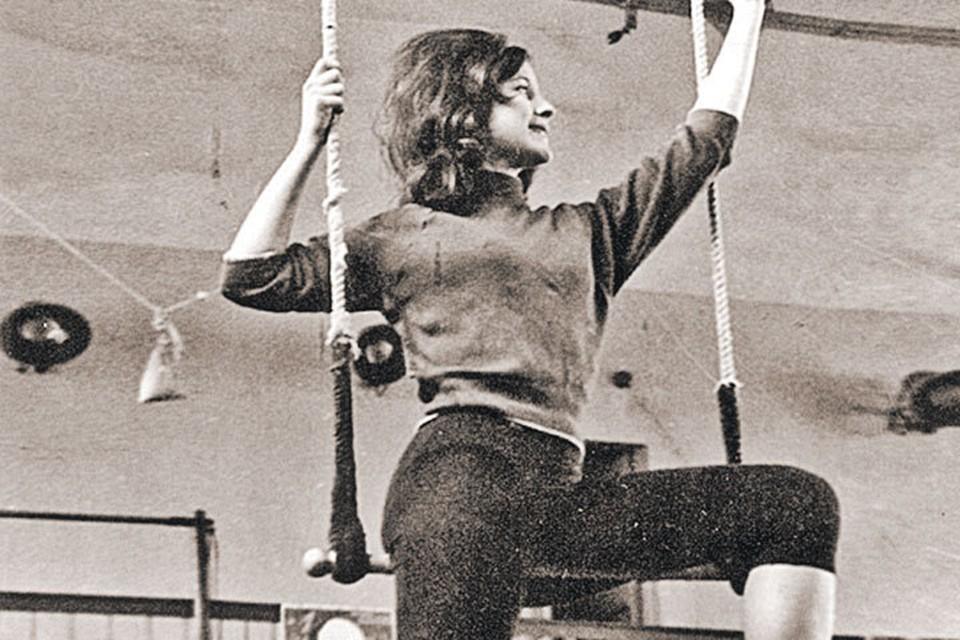 Редкое фото эквилибристки Натальи Варлей - выпускницы Государственного училища циркового и эстрадного искусства 1965 года. Фото: ruscircus.ru