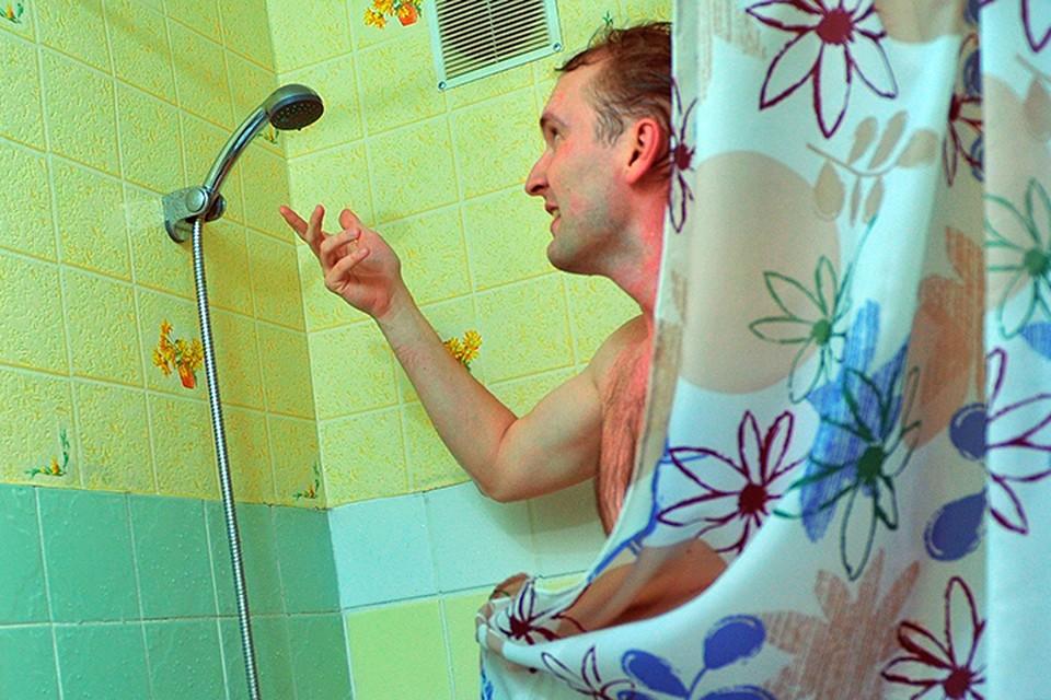 Жители поселка Деденево Дмитровского района Московской области не могут добиться бесперебойной подачи горячей воды