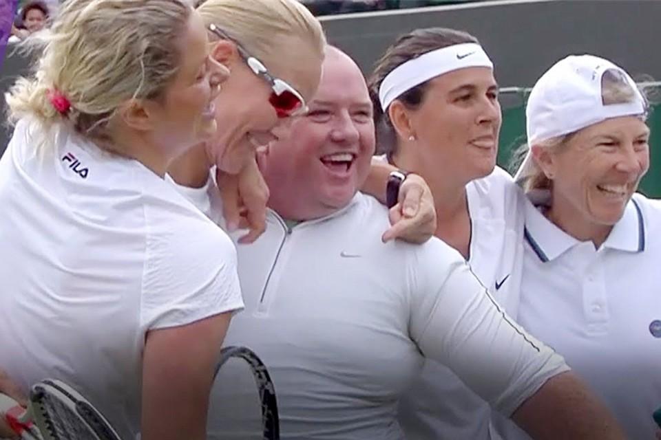 Теннисистку заставили снять трусы фото 383-126