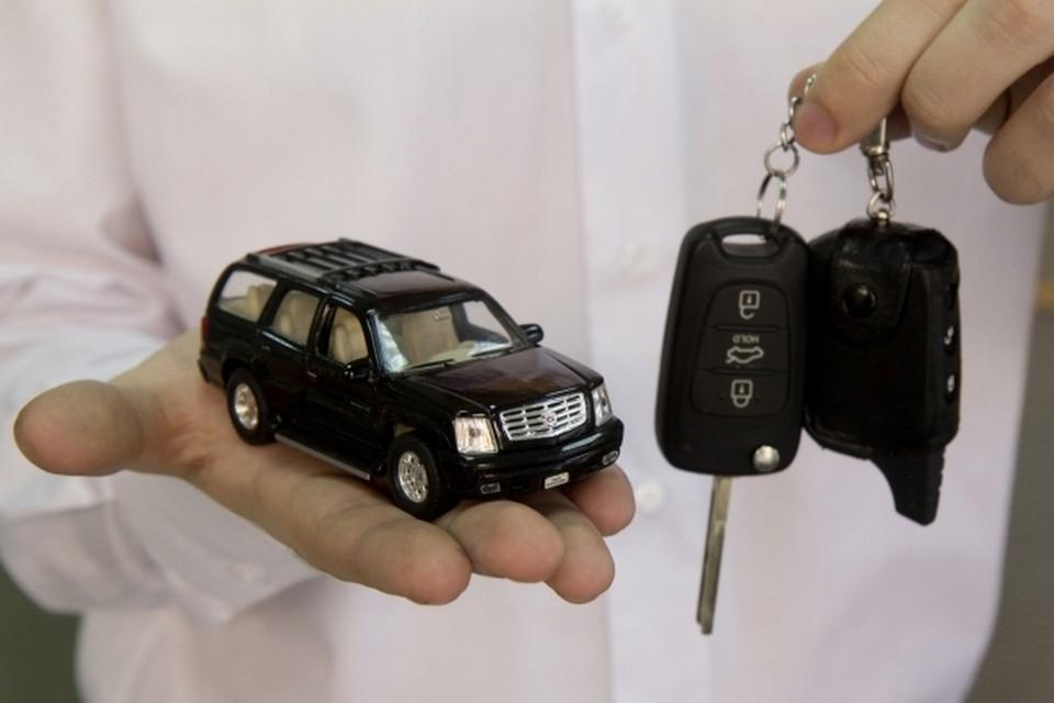 В Крыму машины превратились в игрушки. Водители не могут получить полисы ОСАГО.