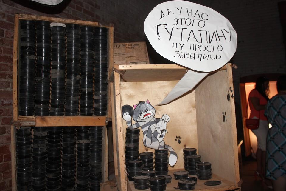"""Фрагмент композиции """"Складские сны про земляков""""."""