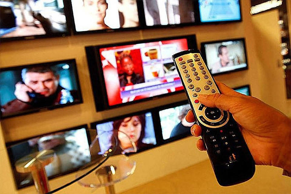 media reality television Reality tv reflects anything but real life, according to a leading expert who labels shows like the bachelor and seven year switch as staged as soap operas.